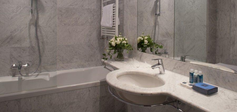 Grand Hotel Gardone - Luxury short breaks - Kirker Holidays - Kirker ...