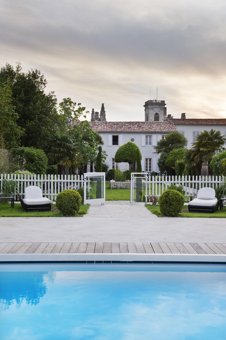 Villa clarisse hotel ile de r france europe luxury for Villa ile de re