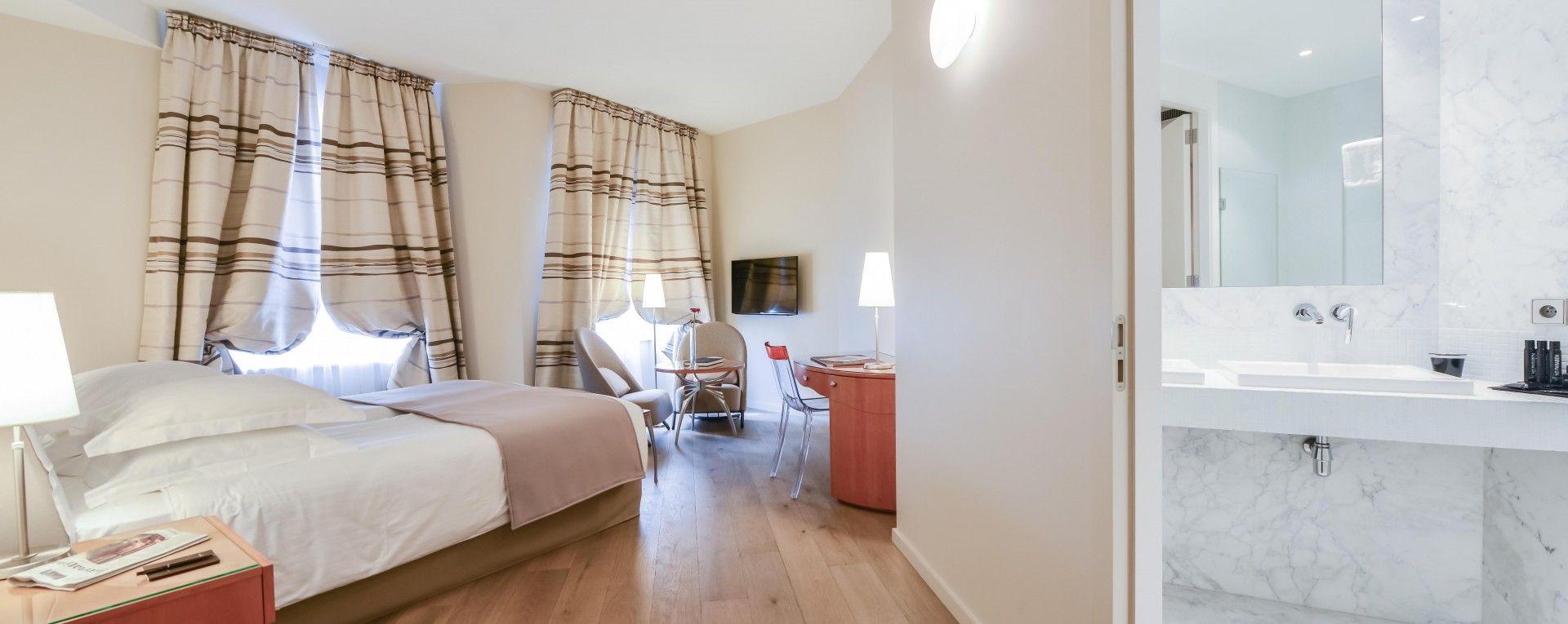 Regent petite france spa hotel strasbourg france - Le petit salon madrid ...