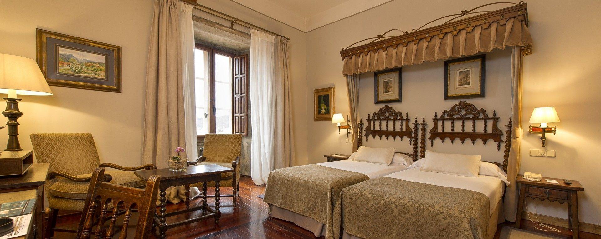 Parador hostal dos reis catolicos hotel santiago de for Hostal luxury